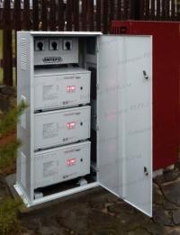 3-х фазный стабилизатор напряжения в металлическом шкафу